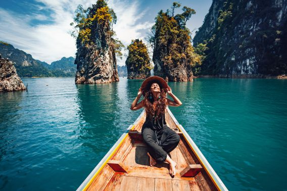 why travel makes you happy